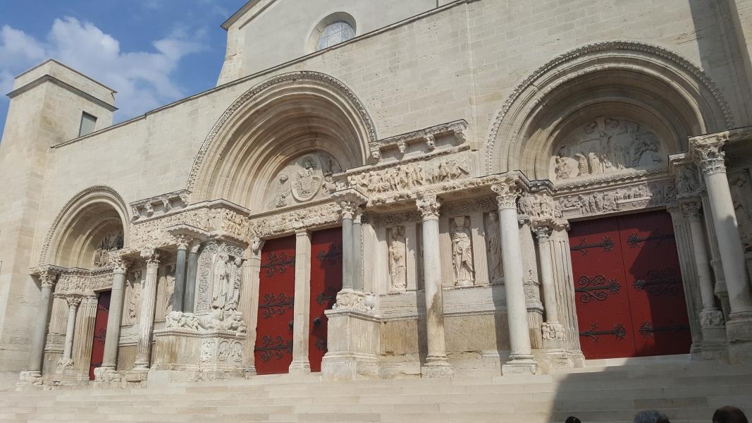 Pórtico de la Abadía de Saint Gilles