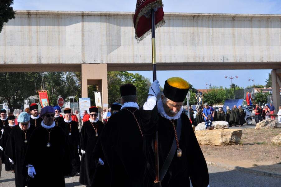 Peregrinación de Cofradías a la Abadía de Saint Gilles (1)
