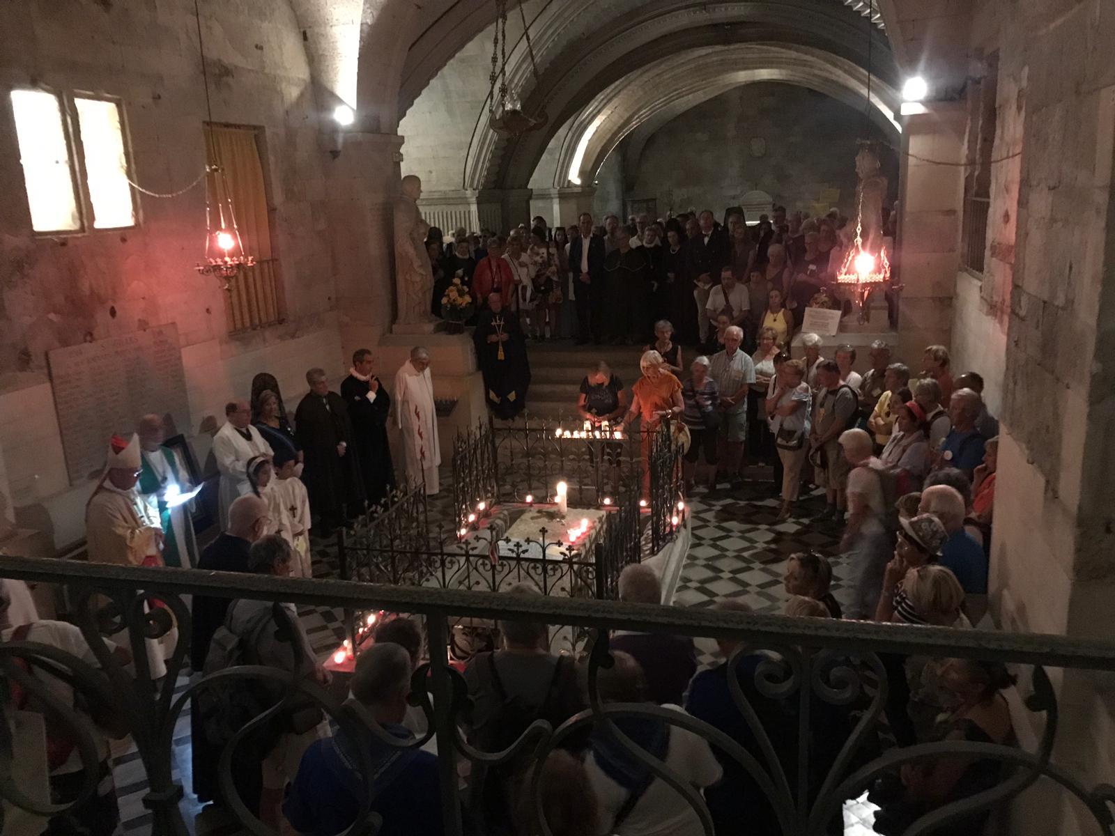 Peregrinación de Cofradías a la Abadía de Saint Gilles (16)